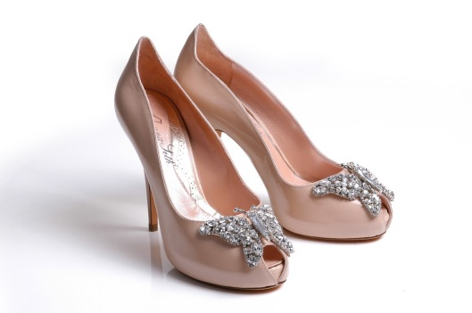 Nude patent farfalla shoes pair view
