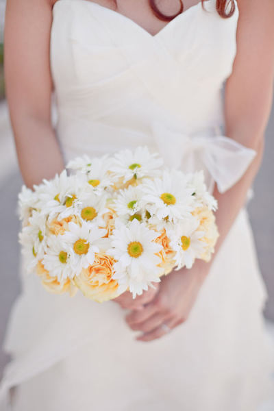 Hien and Johnny Destination Austin TX wedding photos by Ivy Weddings 15$!x600